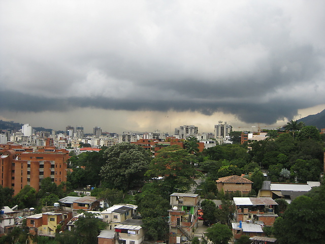 Estiman precipitaciones débiles y moderadas para este sábado