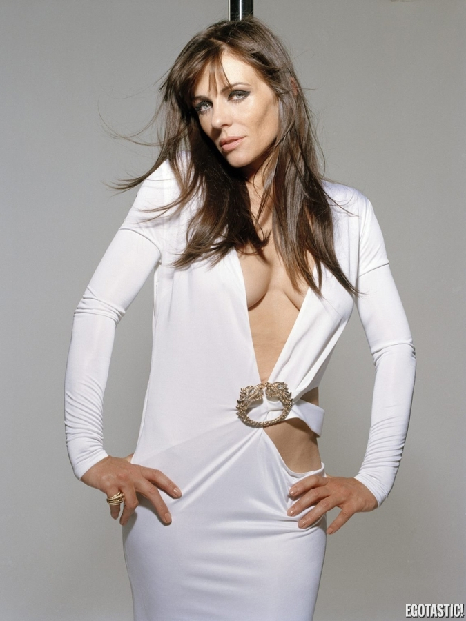Elizabeth hurley 9 pictures to pin on pinterest