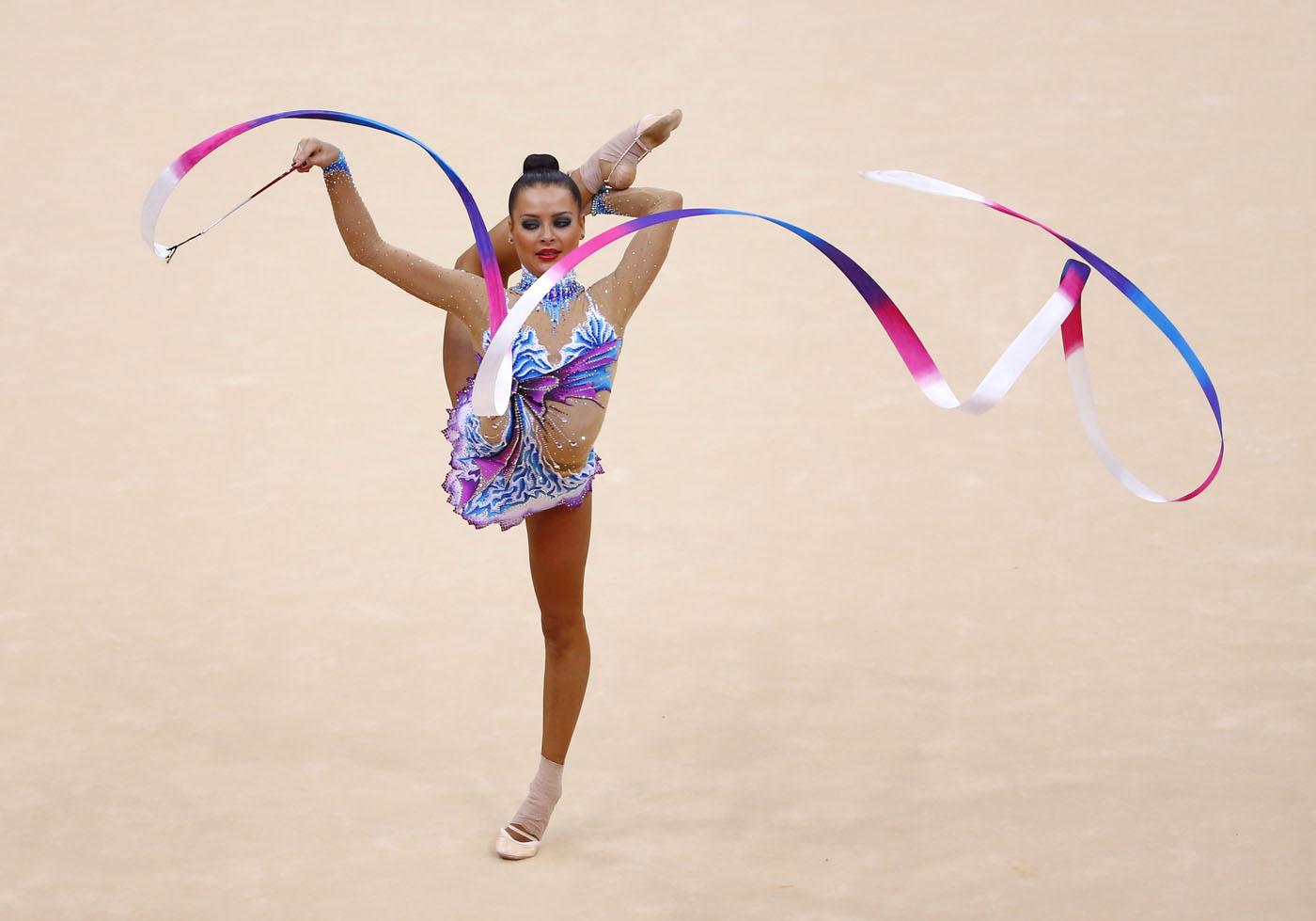 Фото гимнасток с предметом 11 фотография