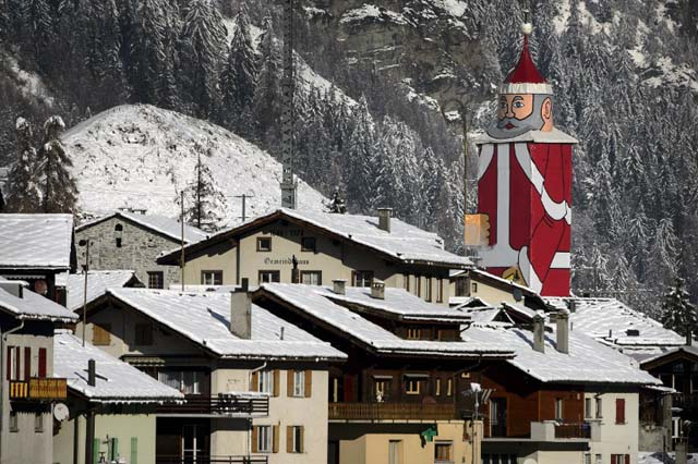 SWITZERLAND-SANTACLAUS-OFFBEAT