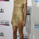 Heidi Klum arrives at the 40th American Music Awards in Los Angeles