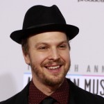 Singer Gavin Degraw arrives at the 40th American Music Awards in Los Angeles