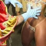 201211_como-mantienen-minitanga-samba-brasil07