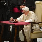 VATICAN-POPE-AUDIENCE-INTERNET-TWITTER