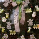 A memorial wreath is pictured in the center of town for the victims of the shooting at the Sandy Hook Elementary School in Newtown