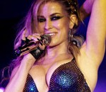 Carmen-Electra-Performs-p