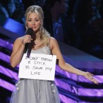 Host Kaley Cuoco at the 2013 People's Choice Awards in Los Angeles