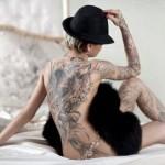 201301_chicas-sexys-con-tatuajes-4-08
