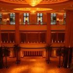 800px-Emirates_Palace-Abu_Dhabi3666
