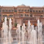 800px-Emirates_Palace-Abu_Dhabi3727