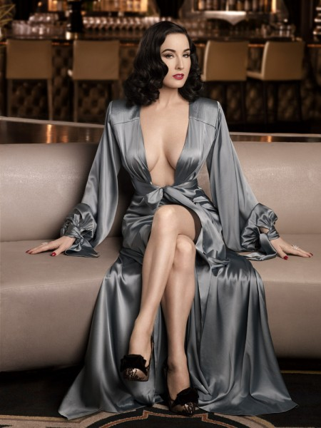 Dita Von Teese ELLE Men China December 2012-005