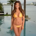 Kourtney-Kardashian-bikinin (5)