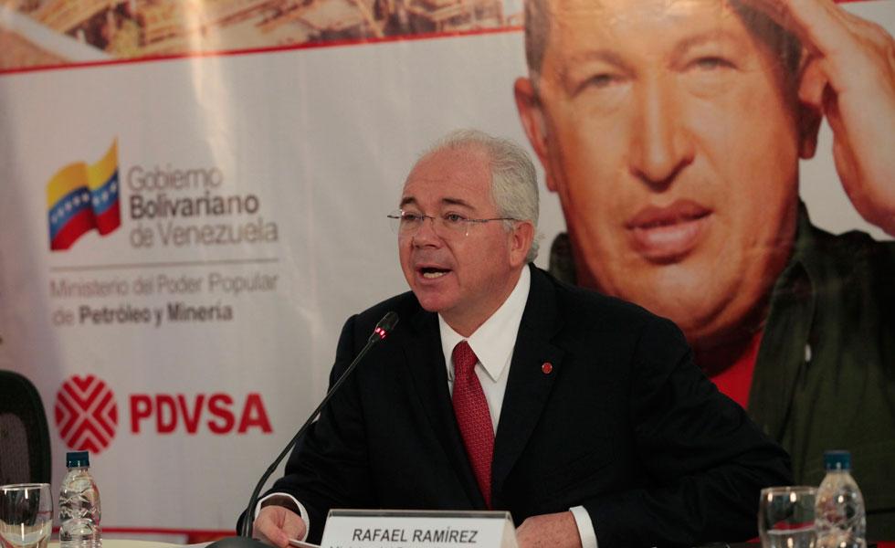 http://www.lapatilla.com/site/wp-content/uploads/2013/01/RafaelRamirez-Chavez-PDVSA.jpg?bf36f5