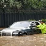 Rolls-Royce-Ghost-inundado (2)
