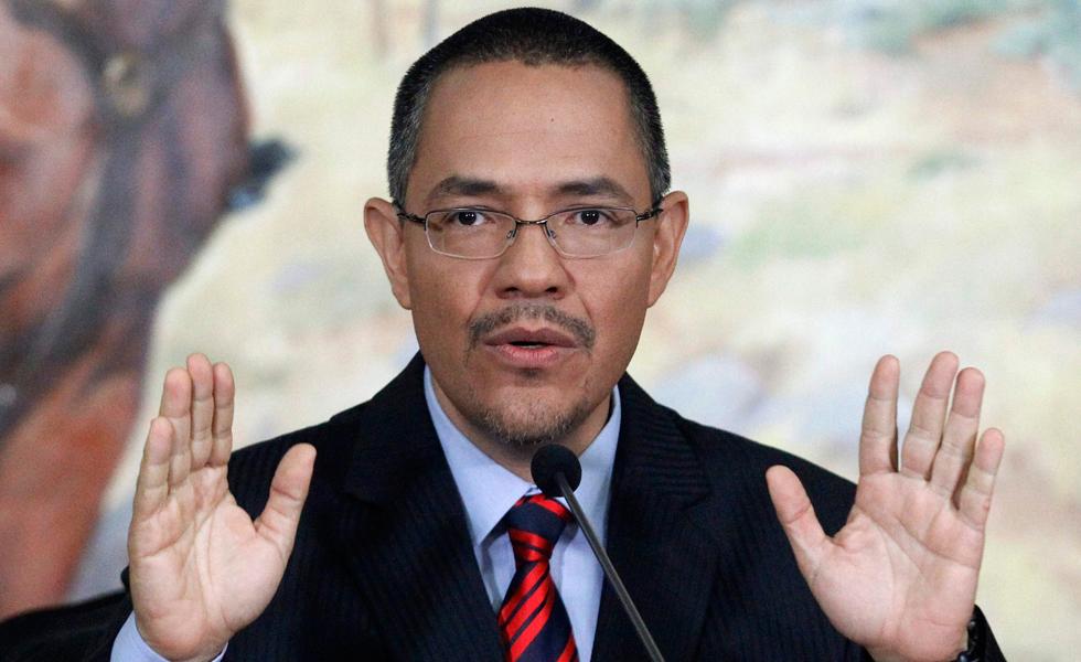 La prioridad es solventar la crisis económica no activar el RR — Villegas