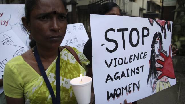 violacion india