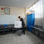 ECUADOR-ELECTION-CORREA-VOTE