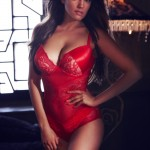 Kelly Brook valentine campaign for New Look © New Look