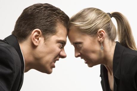 Mujeres En Momento De Discusi  N Con Sus Maridos  Parejas O Novios