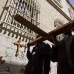 FIELES CATÓLICOS CELEBRAN LA SEMANA SANTA EN JERUSALÉN