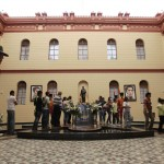 COLAS PARA VISITAR EL FÉRETRO DE CHÁVEZ EN EL MUSEO DE LA REVOLUCIÓN