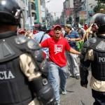 CUATRO ESTUDIANTES HERIDOS EN MARCHA PARA PEDIR COMICIOS JUSTOS EN VENEZUELA