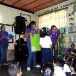 Fundabiblioteca visita las escuelas (2)_1
