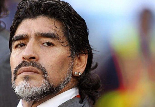 Excarcelan a ex novia de Maradona acusada de robo por el astro