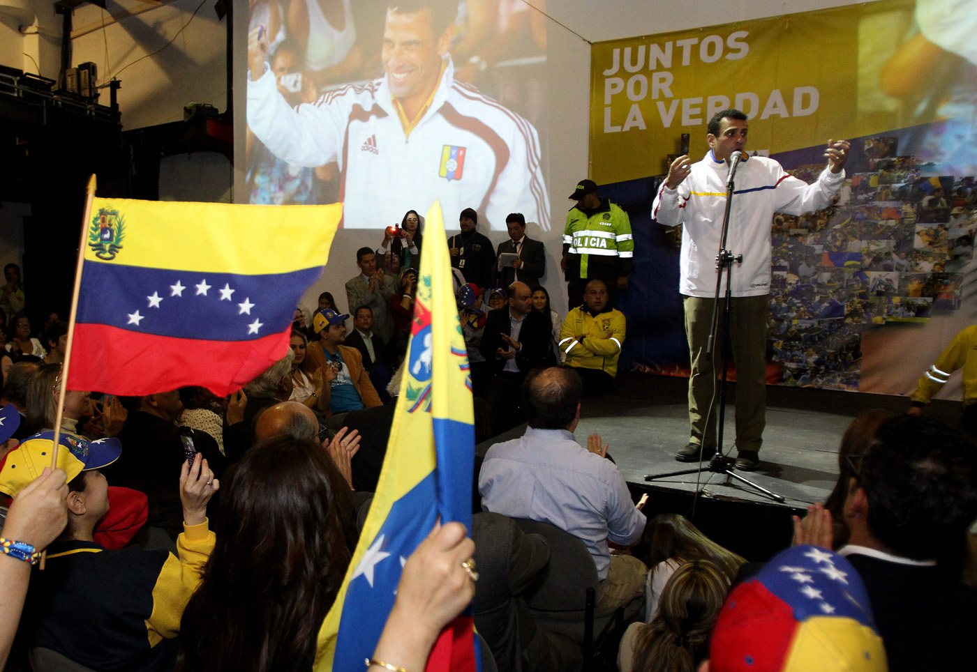 LÍDER OPOSITOR VENEZOLANO CAPRILES SE RE�NE CON SEGUIDORES EN BOGOTÁ