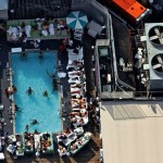 New-York-City-roof-top-lounge-garden-pool-02