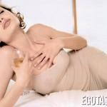 angelina-jolie-bubis (7)