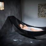 Floating-hammock-bath-tub-1