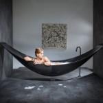 Floating-hammock-bath-tub