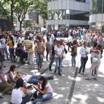 FAMILIARES DE LOS PRESOS PROTESTAN FRENTE AL MINISTERIO (3)