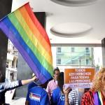PROTESTA DE LOS HOMOSEXUALES FRENTE A LA ASAMBLEA NACIONAL (3)