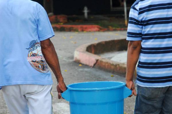 Sector 19 de Abril lleva tres meses sin agua