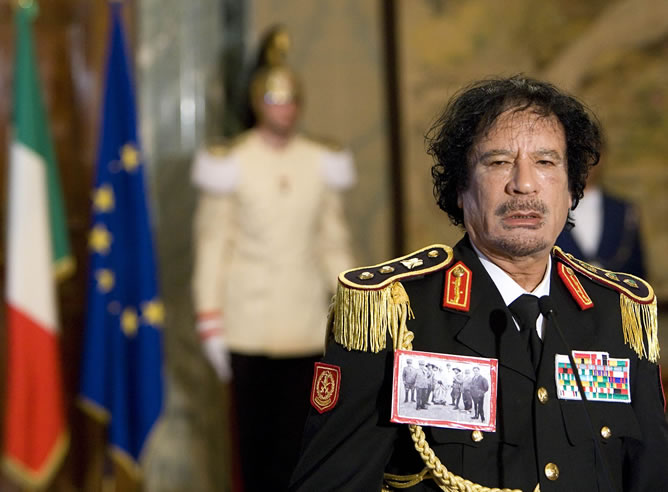 Gaddafi en 2007: eeuu busca confrontacion con rusia