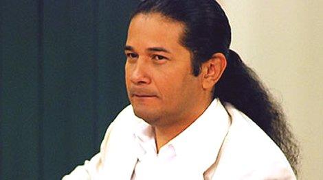 ... Reinaldo Dos Santos no han quitado su vista de la situación política