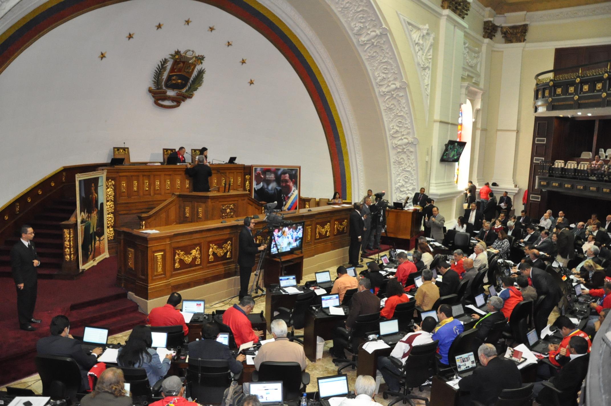 Crónica parlamentaria: La culpa es de Nicolás Maduro