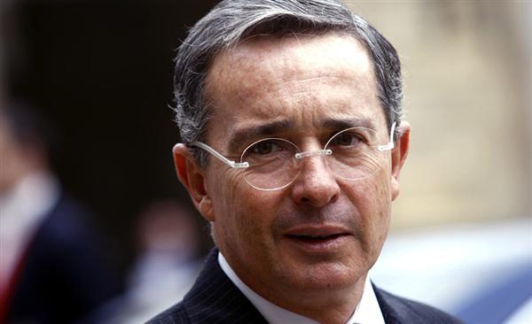 Uribe planteará hasta cinco años de cárcel para militares por actos en servicio