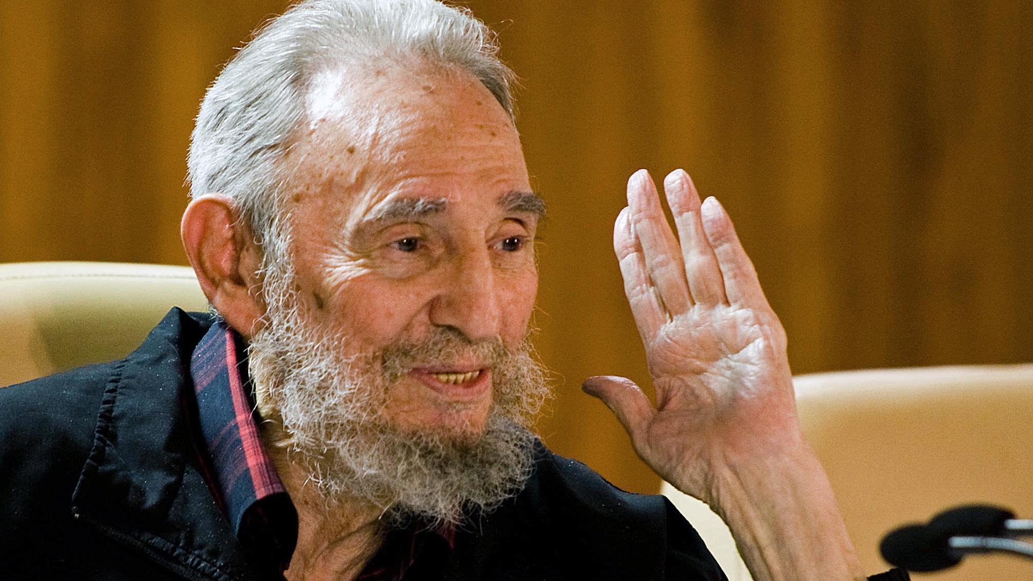 Кастро всегда живой