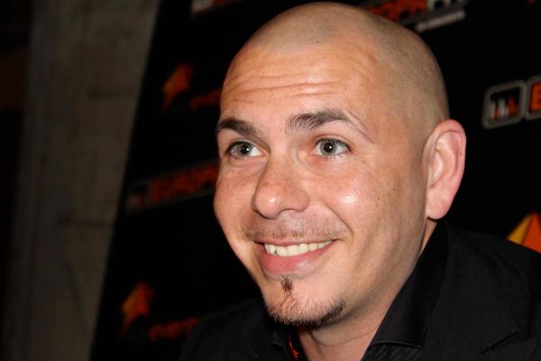 ¿Pitbull cantará en el Mundial de Brasil 2014?