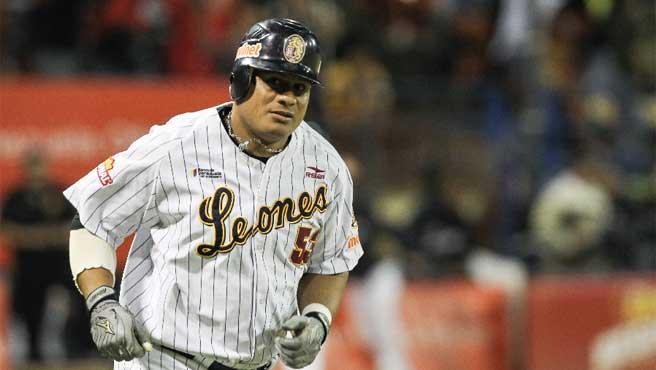 Bob Abreu se retira este viernes de la MLB