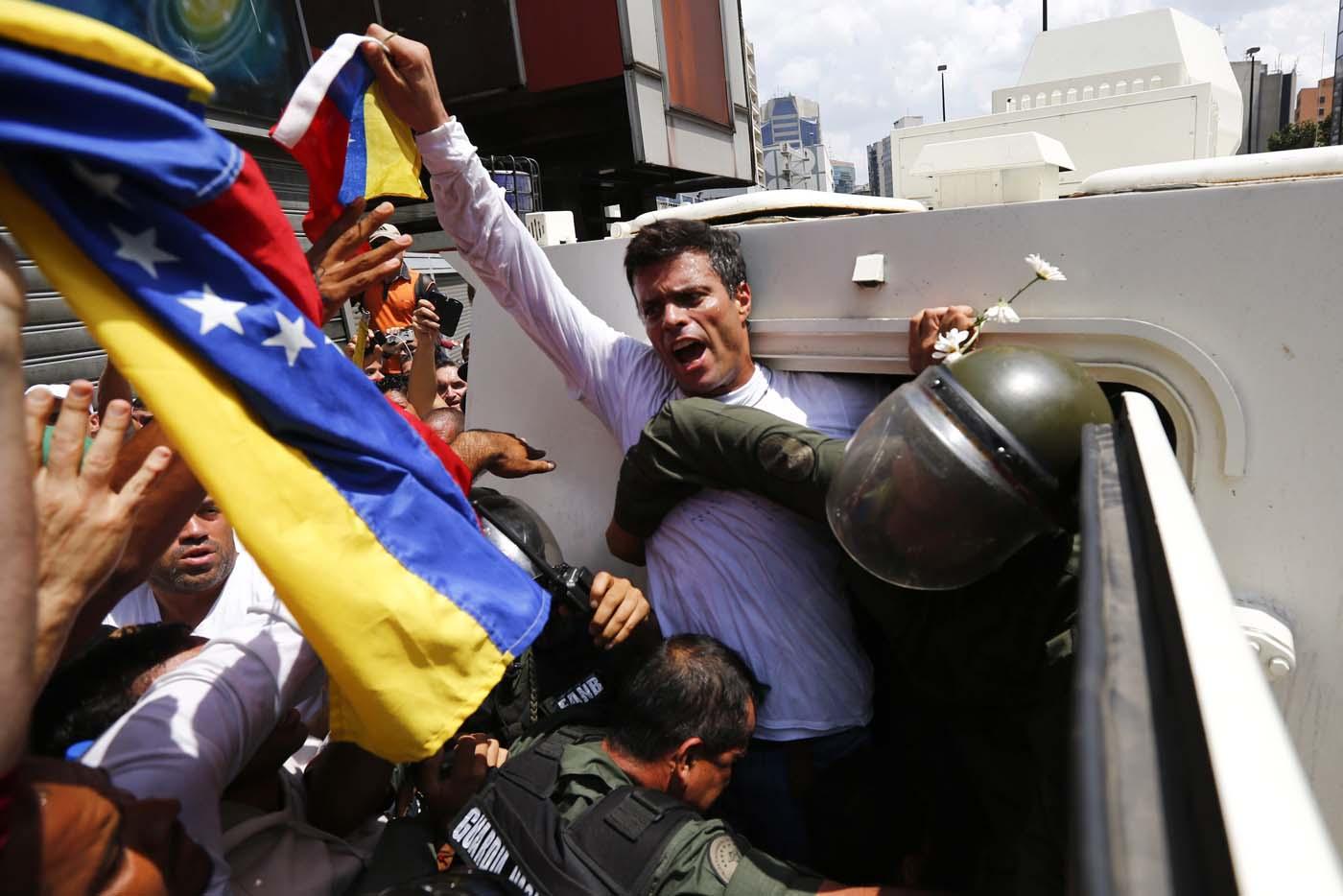 Leopoldo López se declara en protesta permanente
