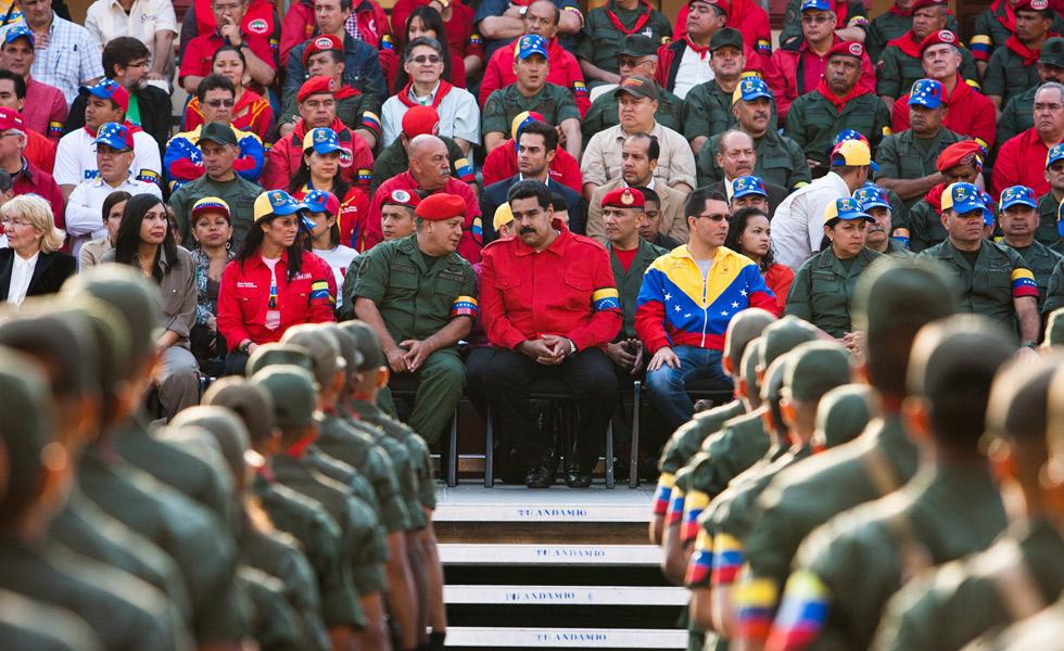La escasez oprime a Maduro