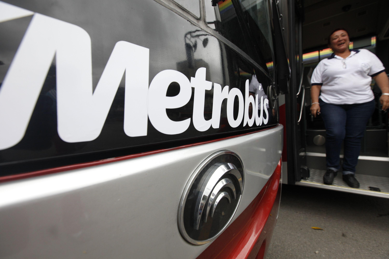 Sistema de transporte Metro de Caracas y Bus Caracas (Foto archivo AVN)