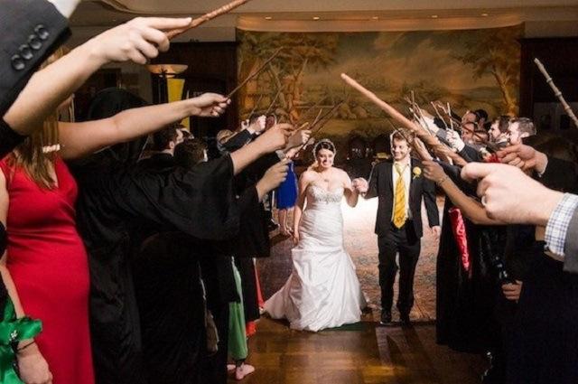 Sacaron las varitas y se casaron al mejor estilo de Harry Potter (Fotos)