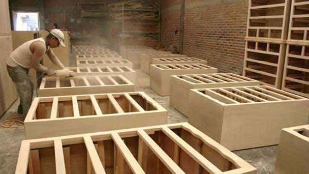 En 2014 la producci n de muebles cay 60 - Fabrica de muebles de madera ...