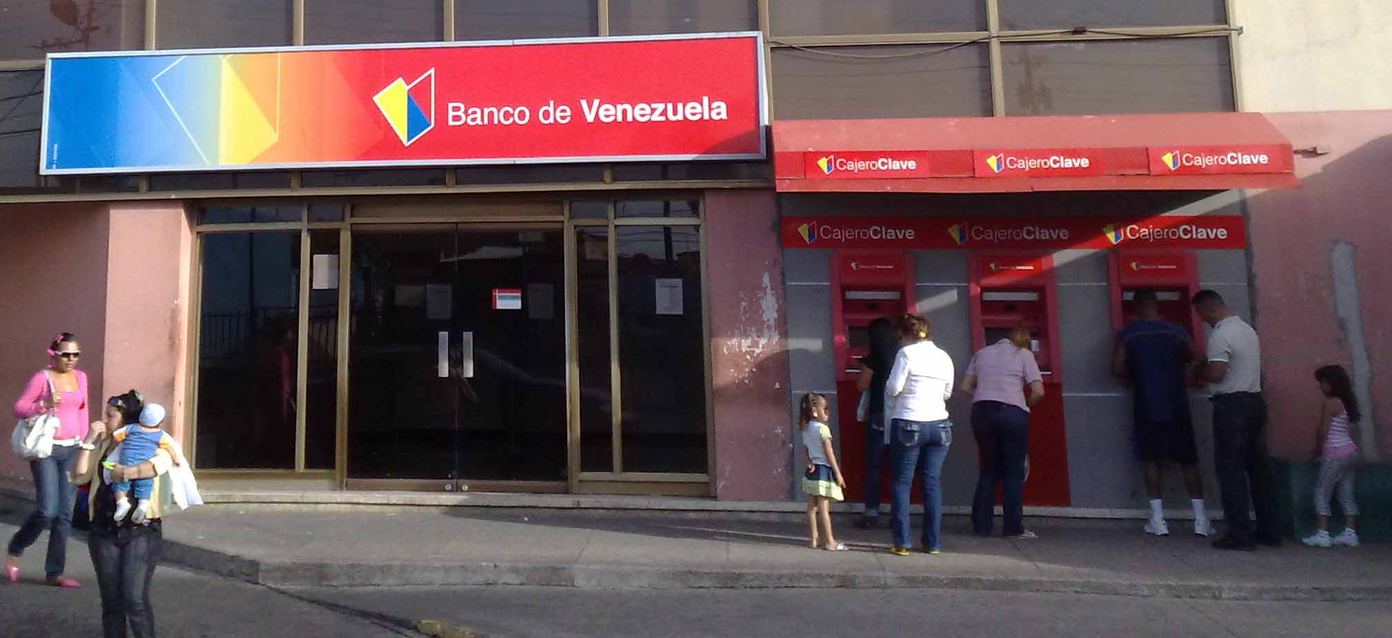 Providencia o decreto de maduro banco de venezuela sigue for Banco exterior en caracas