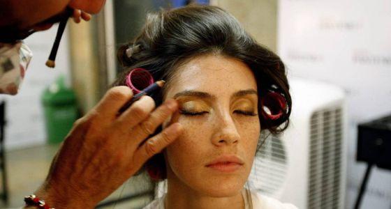 La escasez de productos de higiene y belleza hace del cuidado personal una lucha cotidiana